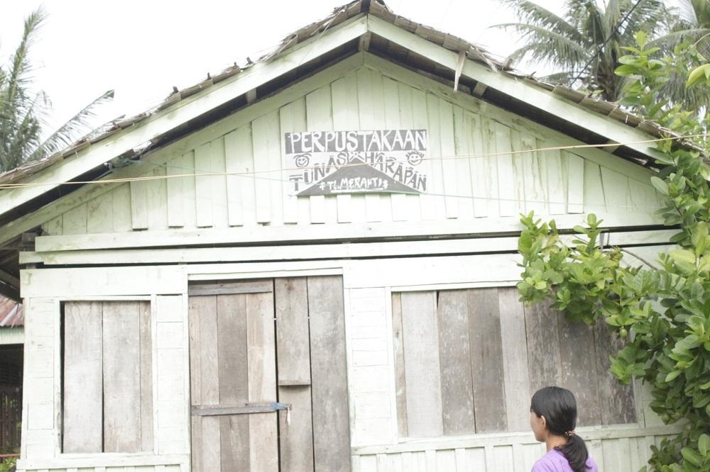 Cikal Bakal Tempat Meningkatkan Literasi Pemuda Desa Teluk Meranti